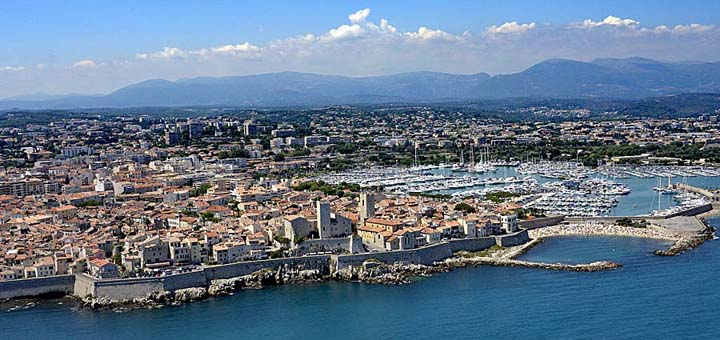 Vol sur la c te d 39 azur entre cannes et menton la c te photos a riennes de france - Point p antibes ...